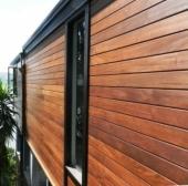 חיפוי קיר מעץ איפאה