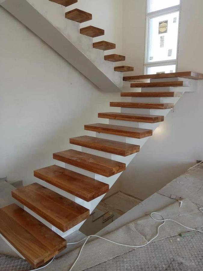 מדרגות עץ מלא עובי 8