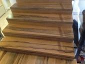 גרם מדרגות עץ