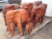 פילים מעץ מהגוני לגינה