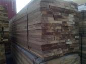 חבילת עץ למדרגות ארוזה