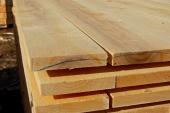 קורות עץ לשולחן חוץ