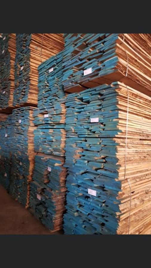 לוחות עץ לא גזום
